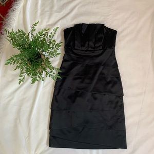 White House black market Size 0 Black Strapless